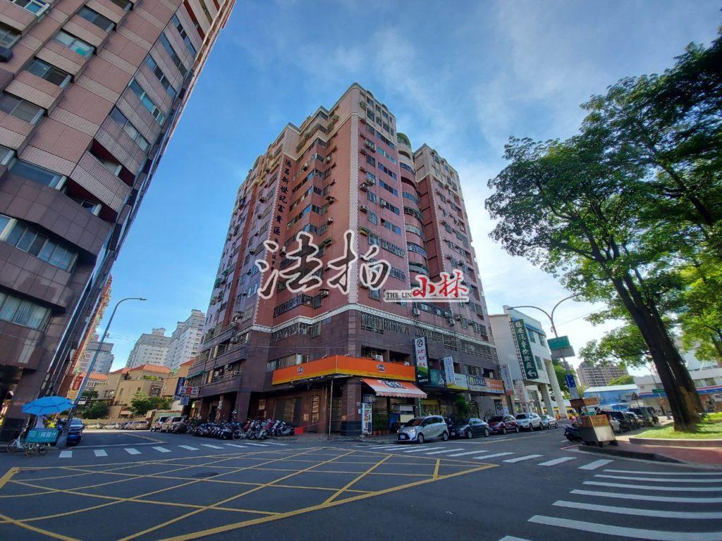 【台中南區】工學五街|德昌新世紀富貴區.邊間採光三房車位